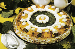 Weinbeer-Pfirsich-Torte