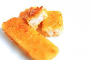 Fischstäbchen, Salzkartoffeln und Gurkensalat